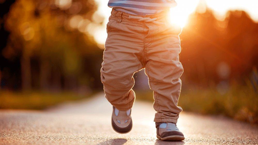 Acheter les premières chaussures pour son bébé